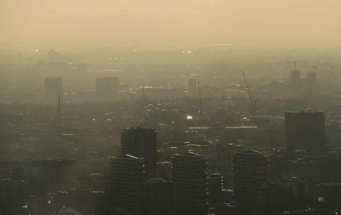 Ved å blande miljø og klima forvirres folk. CO2 forurenser ikke, slik mange tror.
