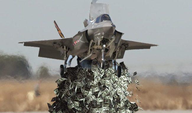 Nå siger erkjennelsen inn. F-35 er for dyrt og for full av feil. Vi må skaffe oss et mindre og billigere fly.