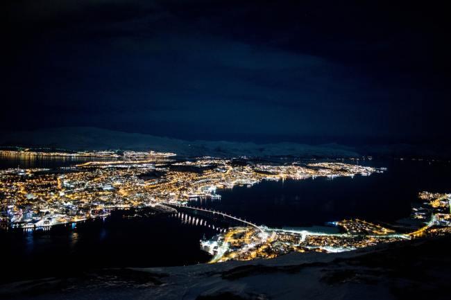 Tromsø omgjøres nå til et russisk atombombemål takket være regjeringens uthuling av basepolitikken.