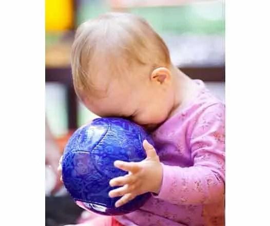 Otizm Aba terapi Egitimi. Otistik bebekler ve otizmli çocuklar için yapılan ilaçsız eğitim ve tedavi yöntemleri.