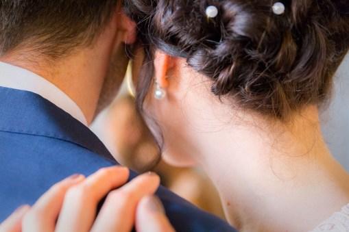 Braut mit Perlen
