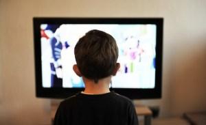 Çocuğa tv'yi yasaklamak Çözüm değil