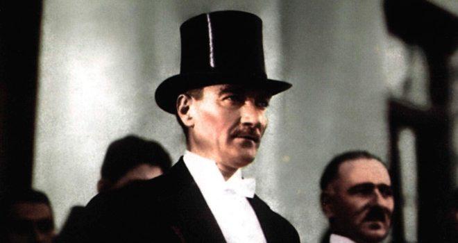 21. Yüzyılın Bilgesi: Mustafa Kemal Atatürk