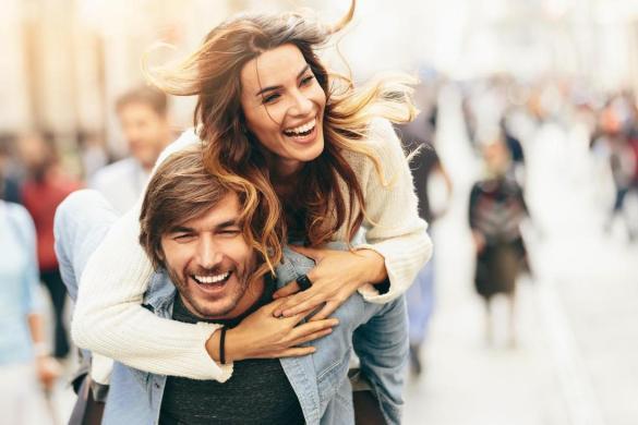 Kadınlar, Kendilerini Güldüren Bütün Erkekleri Beğenmezler