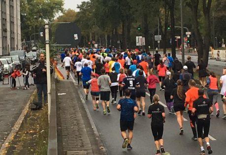 Rheinenergie Halbmarathon Köln 2018 Läufer Unitunnel