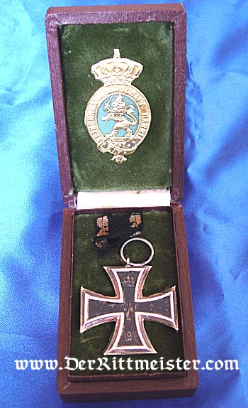 IRON CROSS - 1914 - 2nd CLASS - ORIGINAL BROWN PRESENTATION CASE MARKED TO A SOLDIER FROM HESSE-DARMSTADT. - Imperial German Military Antiques Sale