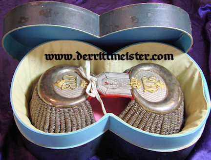 PRUSSIA - EPAULETTES - GENERALLEUTNANT/ADJUTANT TO KAISER WILHELM II - ORIGINAL STORAGE BOX - Imperial German Military Antiques Sale