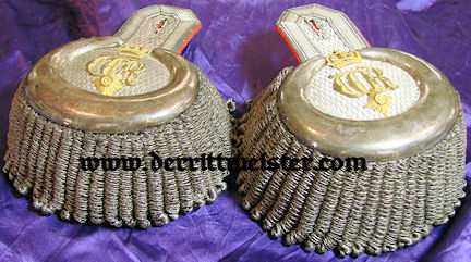 PRUSSIA - EPAULETTES - GENERALLEUTNANT/ADJUTANT TO KAISER WILHELM II - ORIGINAL STORAGE BOX - Imperial German Military Antiques Sale