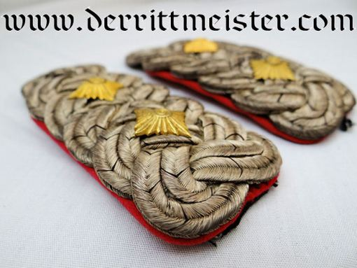 PRUSSIA - SHOULDER BOARDS - OBERST - WAR MINISTRY - Imperial German Military Antiques Sale