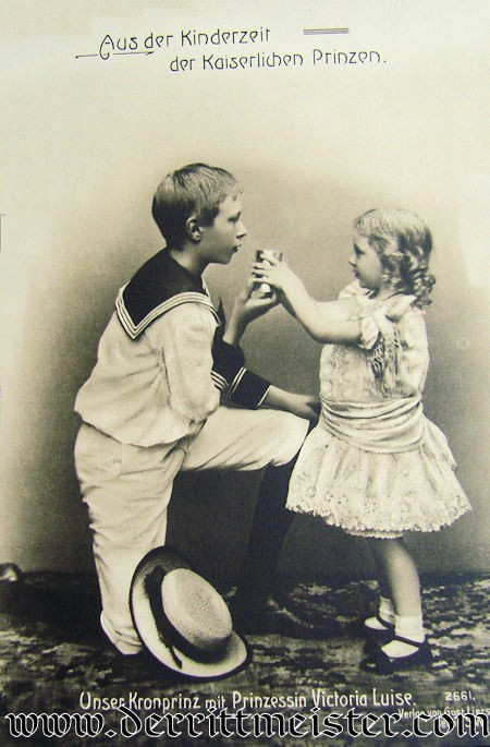 POSTCARD - A VERY YOUNG KRONPRINZ WILHELM PLAYING WITH HIS SISTER PRINZESSIN VIKTORIA LUISE - Imperial German Military Antiques Sale