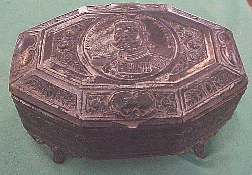 PATRIOTIC BOX  - FEATURING GENERALFELDMARSCHALL PAUL von HINDENBURG - Imperial German Military Antiques Sale