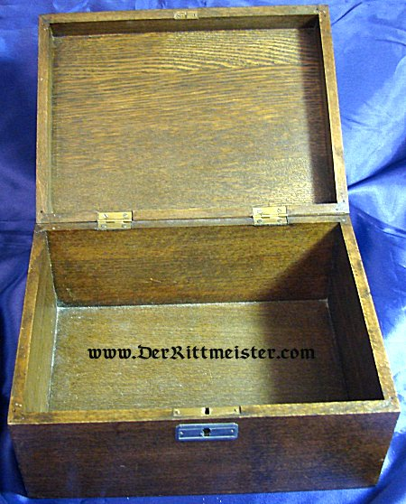 GERMANY - PATRIOTIC  BOX - HIGH QUALITY WOODEN FEATURING THE 1914 IRON CROSS - Imperial German Military Antiques Sale