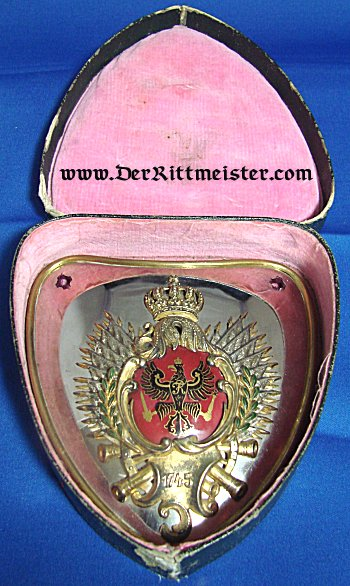 KAISERIN AUGUSTE VIKTORIA RINGKRAGEN (GORGET) AS REGIMENTAL CHEF - PRUSSIAN KÜRAßIER-REGIMENT Nr 2 IN ORIGINAL STORAGE BOX - Imperial German Military Antiques Sale