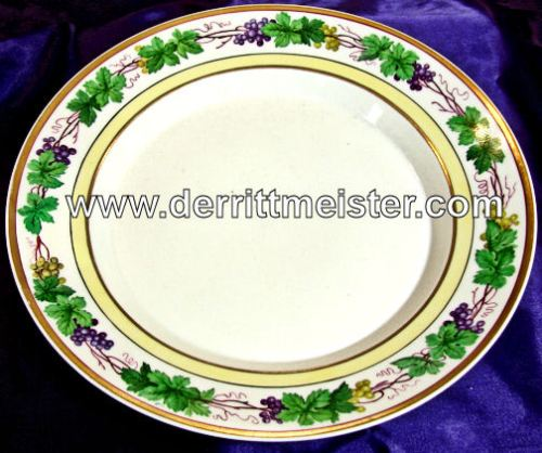 FLORAL PATTERN DINNER PLATE - PERSONAL SERVICE - KÖNIG FRIEDRICH WILHELM IV - PRUSSIA - Imperial German Military Antiques Sale