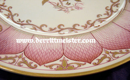 ORIENTAL DAMASCUS-STYLE DINNER PLATE - PERSONAL TABLE SERVICE - KAISER WILHELM II - Imperial German Military Antiques Sale