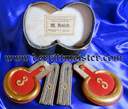 BAVARIA - SHOULDER BOARDS AND EPAULETTES - LEUTNANT - INFANTERIE-REGIMENT Nr 3 OR FELDARTILLERIE REGIMENT Nr 3 - ORIGINAL STORAGE BOX - Imperial German Military Antiques Sale