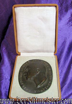 TABLE MEDAL - SAXE-COBURG-GOTHA - DUKE CARL EDUARD - CASED - Imperial German Military Antiques Sale