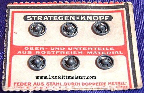 UNIFORM SNAP BUTTONS ON ORIGINAL SALES CARD - Imperial German Military Antiques Sale