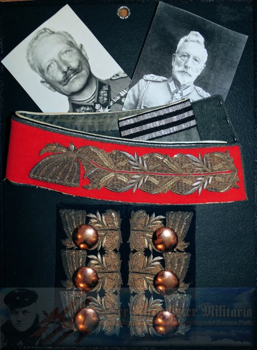 PRUSSIA - PERSONAL TUNIC COLLAR AND CUFF ATTACHMENTS - KAISER WILHELM II - GARDE-GRENADIER-REGIMENT NR 5 - Imperial German Military Antiques Sale