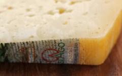 Fetta di formaggio Asiago