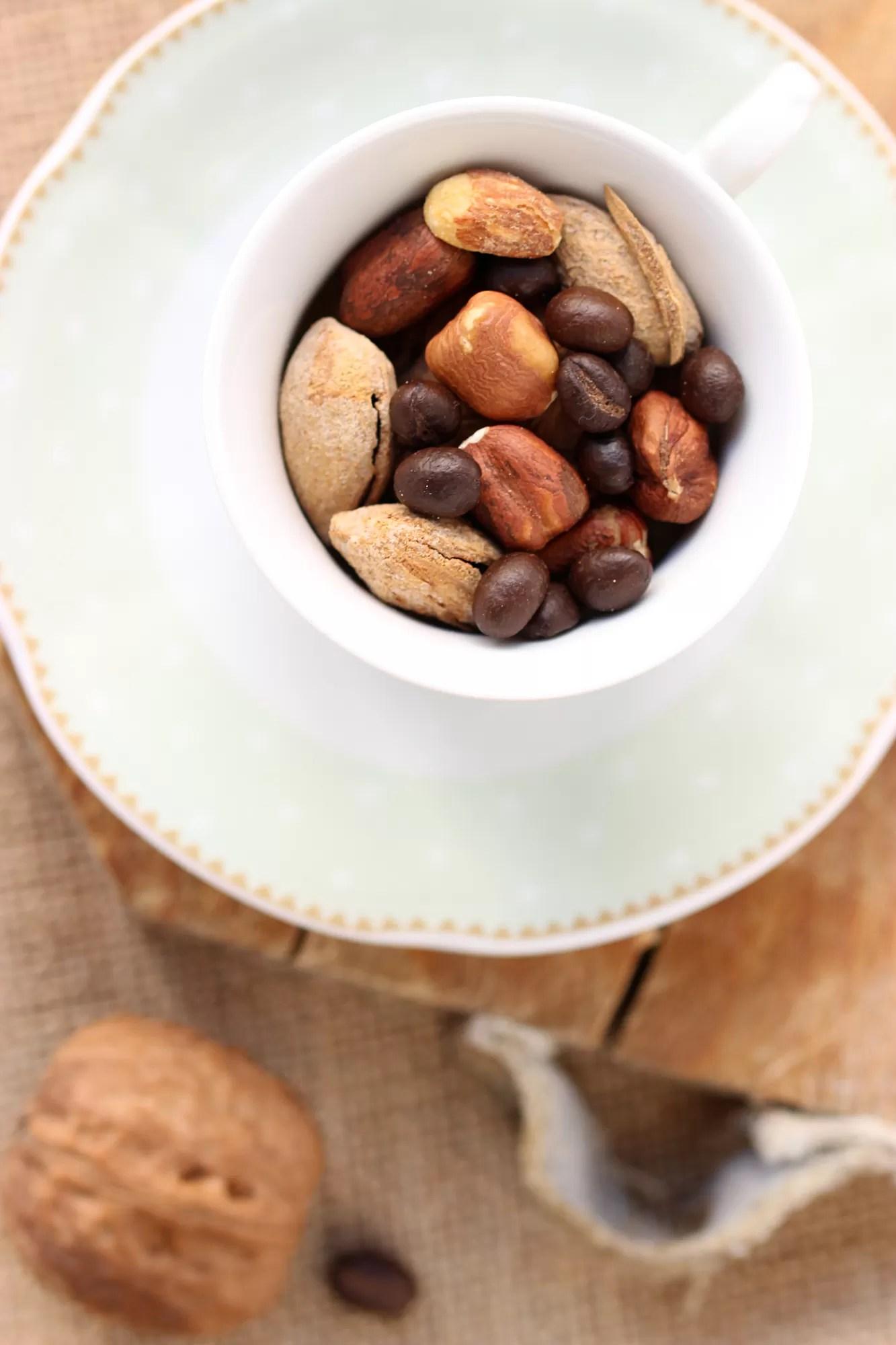 Abbinamento caffè e frutta secca