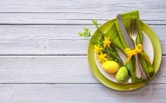 come-preparare-la-tavola-di-Pasqua-verde-giallo