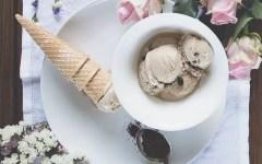 Caffè e cardamomo: la ricetta perfetta del gelato fatto in casa senza gelatiera
