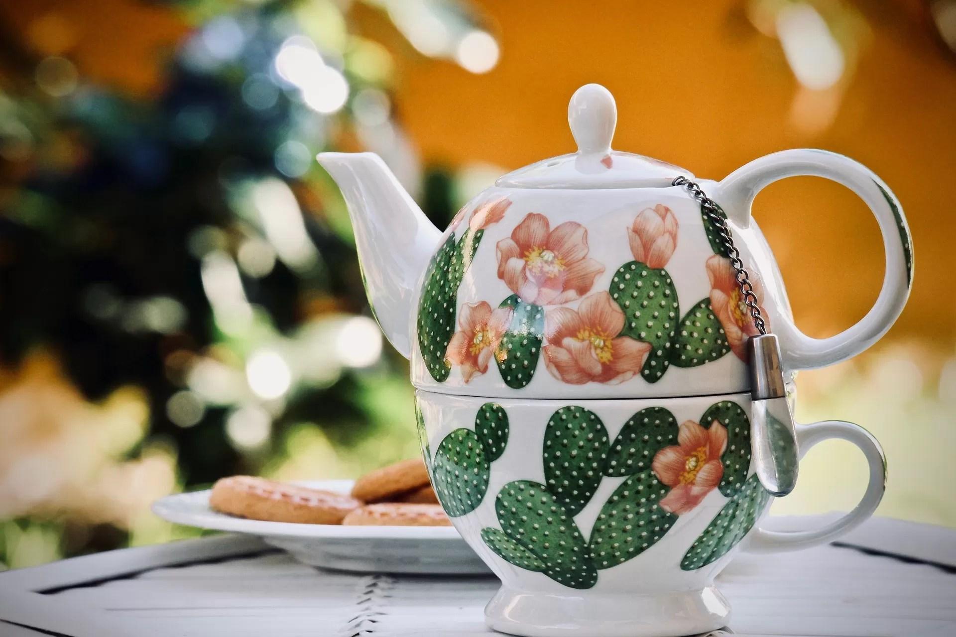 Il miele con il tè
