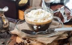 Caffè, rum e panna montata - il pharisäer kaffee tedesco