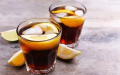 iced coffee lemonade - cocktail analcolico a base di caffè, limone e acqua tonica - dersut magazine