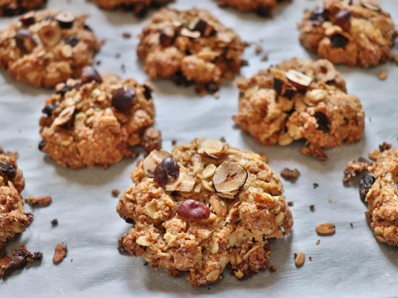 Biscotti d'avena al caffè e nocciole, la merenda perfetta per l'ufficio!