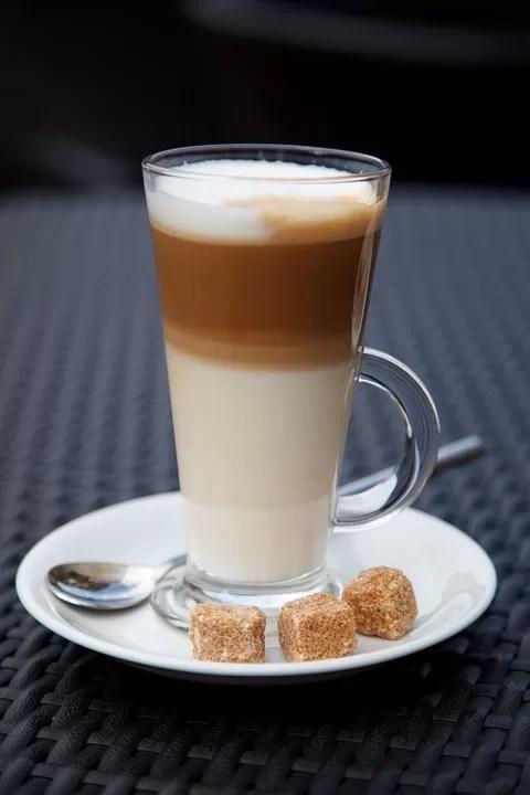Caffè con latte condensato