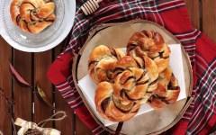 Cinnamon rolls al cacao e caffè: la ricetta