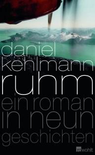 An einem wunderschönen Tag auf dem Balkon habe ich die 9 Geschichten von Daniel Kehlmann gelesen. In allen Geschichten geht es letztlich um Ruhm. Es geht darum, wer ihn verdient, ihn loswerden möchte, verzweifelt sucht oder sich diesem garnicht bewußt ist. Das hört sich jetzt recht esoterisch an. Ich weiß. Umso verblüffender ist es, dass Daniel Kehlmann bei all seinen Geschichten aber immer im Hier und Jetzt bleibt. Es gelingt ihm, ganz unterschiedliche Lebenswege in ganz unterschiedlichen Schreibstilen zu erzählen.
