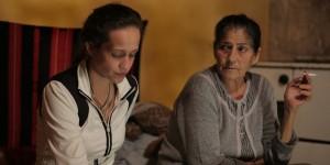 Amal Beri mit Großmutter