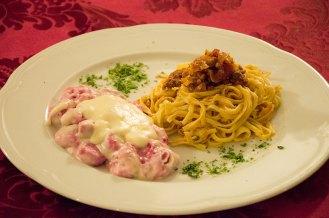 Gnocchi con barbabietola rossa con Vellutata di Toma e Spaghettini alla Chitarra con Ragù di Cinghiale e cavolo Verza
