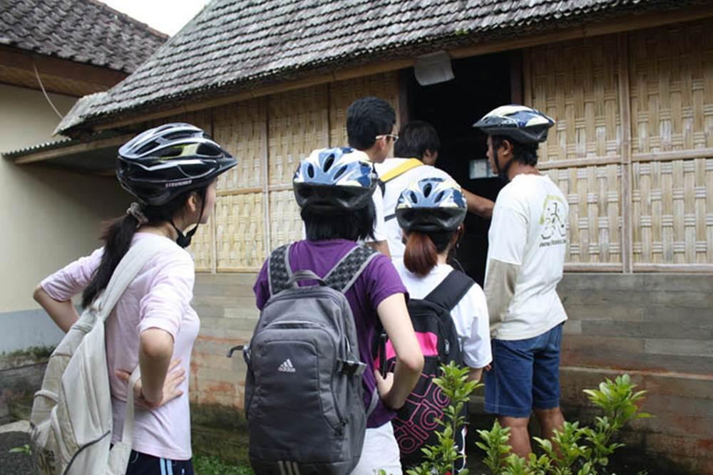 Cycling di Bali Hai - Desa Pengelipuran - Rumah Traditional