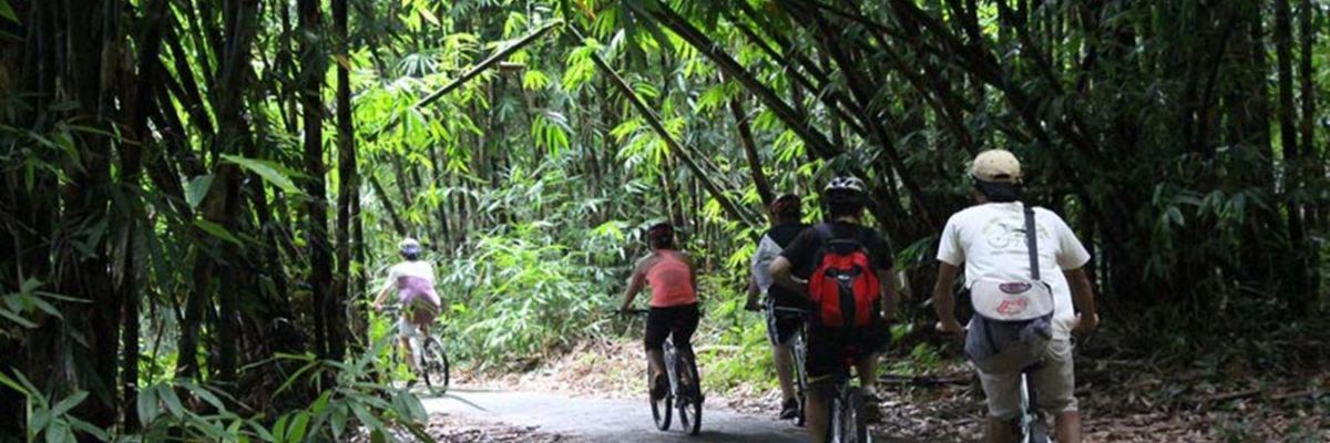 Cycling di Desa Penglipuran, Bangli, Bali
