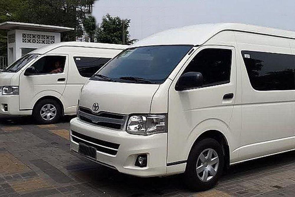Transport Service Desa Penglipuran - Toyota Hiace 03
