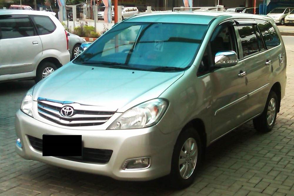 Transport Service Desa Penglipuran - Toyota Kijang Innova 04