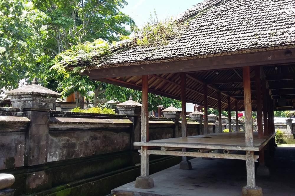 Team Building di Desa Penglipuran Bali - Balai Banjar