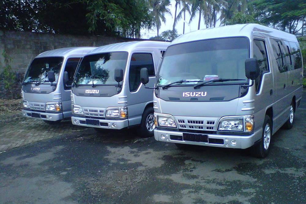 Wisata Desa Penglipuran Kombinasi Kintaman Tour - Isuzu Elf