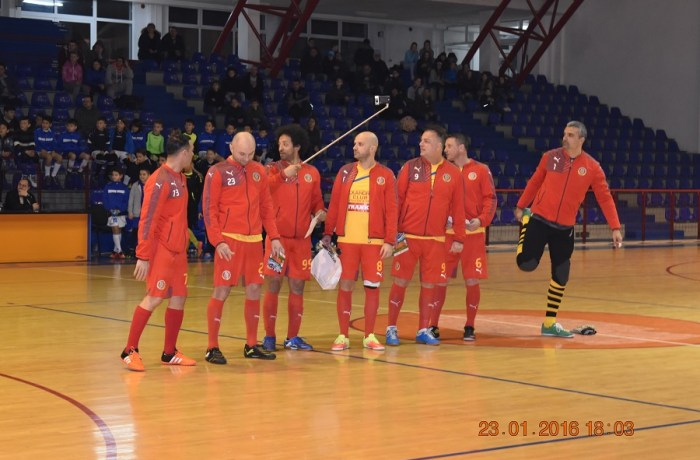 Galerie Foto: Echipa națională de fotbal a artiștilor la Severin