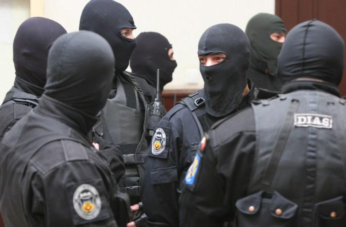 Descinderi DIICOT în Mehedinți la poliția de frontieră. Peste 150 de percheziții efectuate
