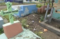 Terreno cruzado entre tumba y tumba