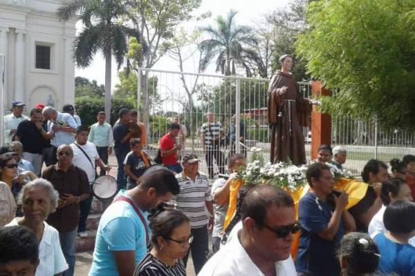 Procesion San Pascual Parroquia El Calvario