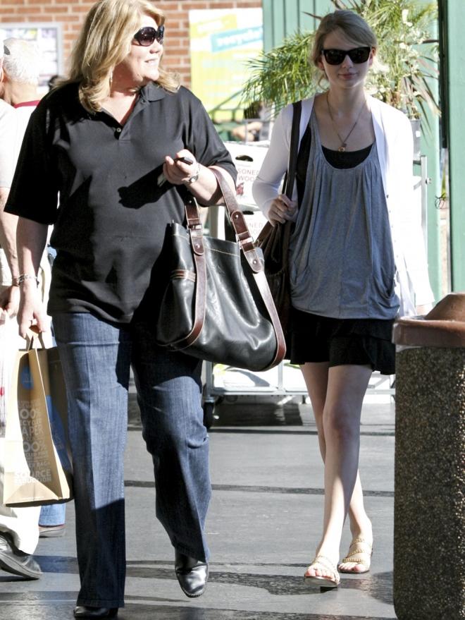 Taylor Swift y su madre Andrea, el rubio viene de familia