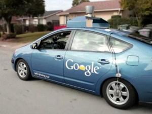 Prototipo de Carro Google en calles de California