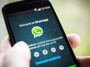 Pantalla smart phone con whatsapp