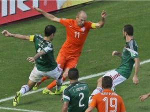 Robben reconoce que fingió en penal